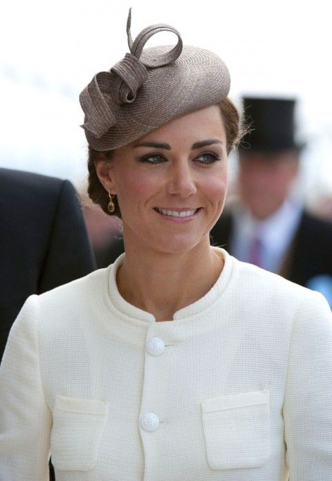 Philip Treacy beret-style hat worn by the Duchess of Cambridge.