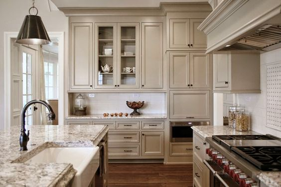 benjamin moore kitchen cabinet colour indian river